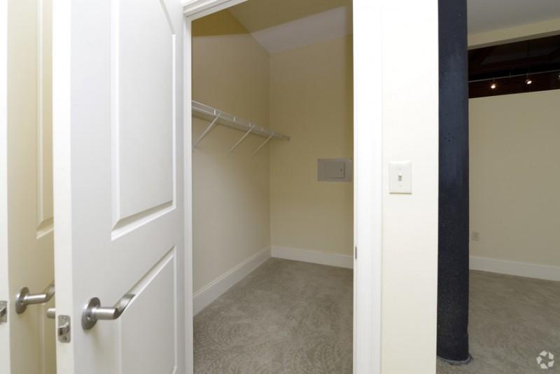 UNIQUE 2 Bedroom Loft @ Slater Cotton Mill
